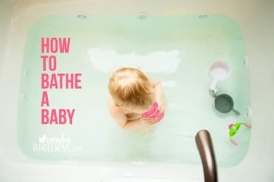 how to bathe a newborn baby