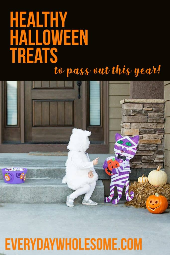 Healthy halloween treats and snacks for kids to hand out at school and for toddlers